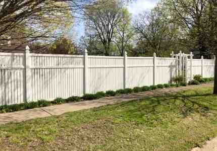 installing a vinyl fence at a pittsburgh home