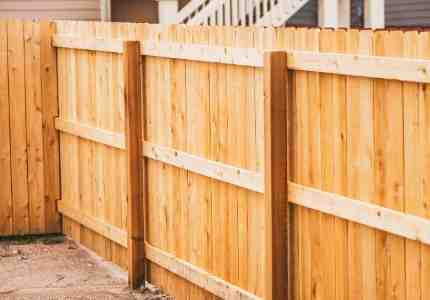 wooden fence installation in pittsburgh